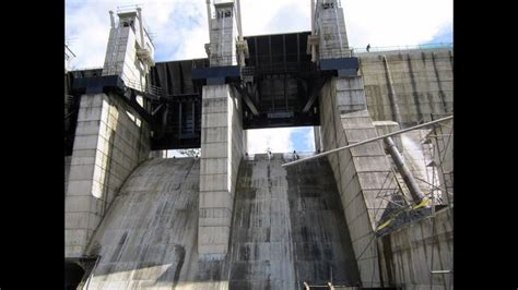 CIVIL ENGINEERING- CONCRETE DAM WITH RADIAL GATES - YouTube
