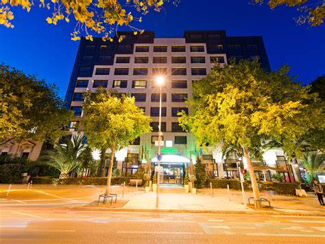 Hotels In Nice City Centre: Holiday Inn Nice, France