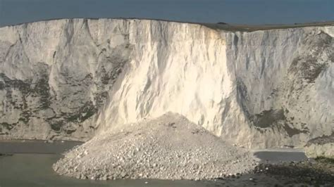 White cliffs of Dover fall into the sea - YouTube