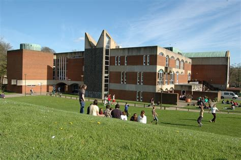 University of Sussex: Courses, Costs and Application